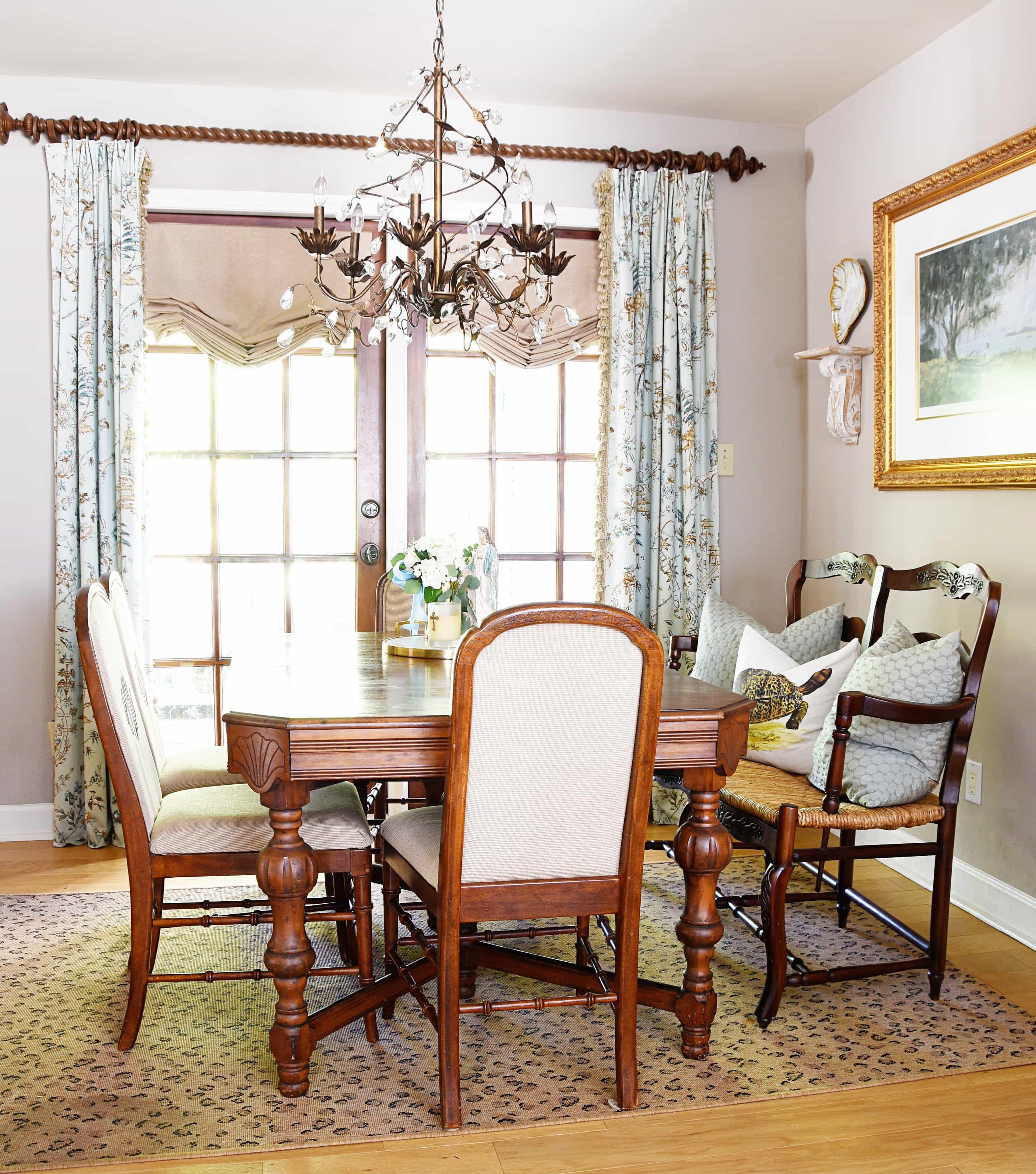 Kitchen Table Switcheroo – Dixie Delights
