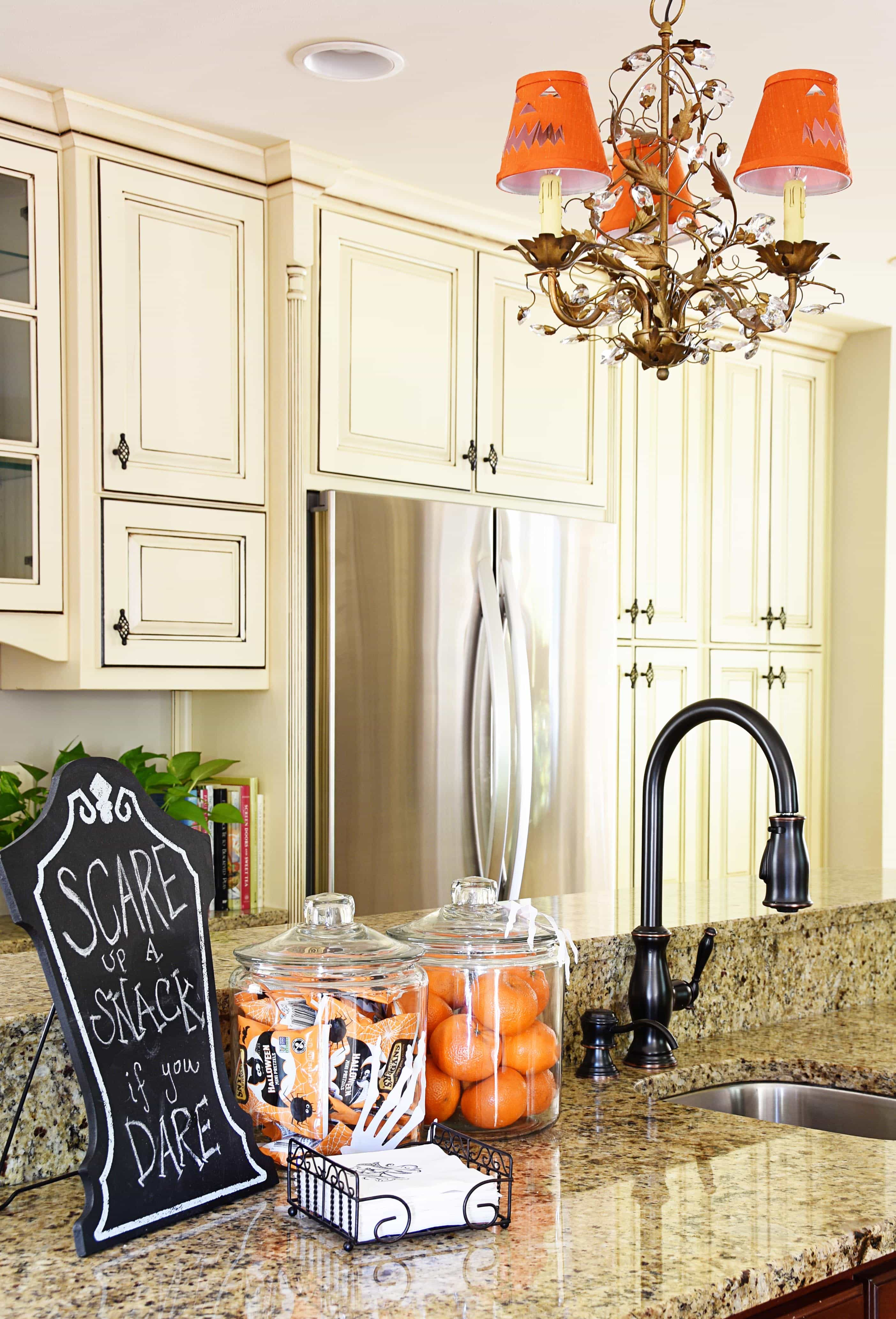 A Haunted Halloween {Kitchen + Dining Room} – Dixie Delights