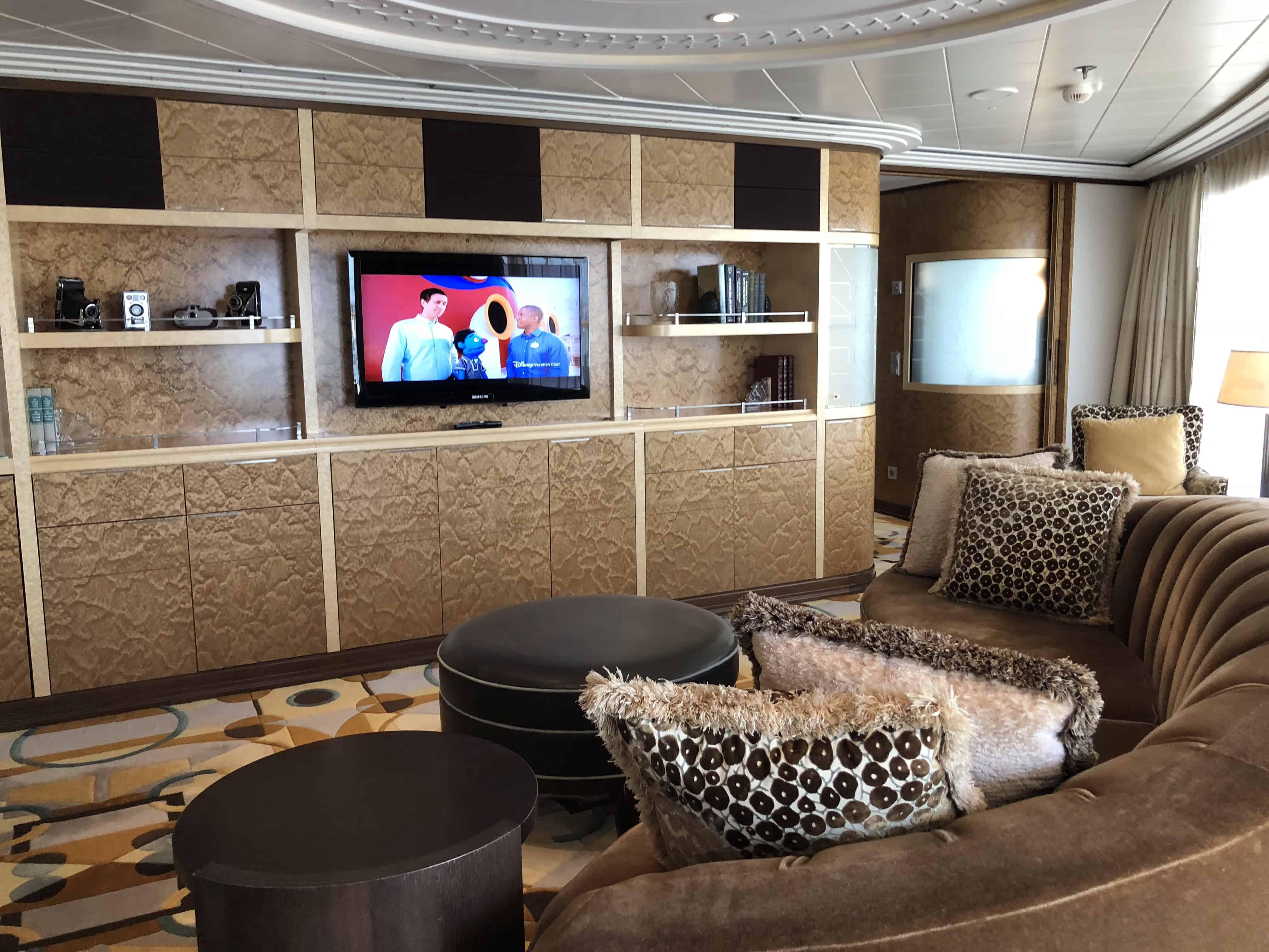 Disney Cruise Line {Disney Dream & Fantasy Royal Suites