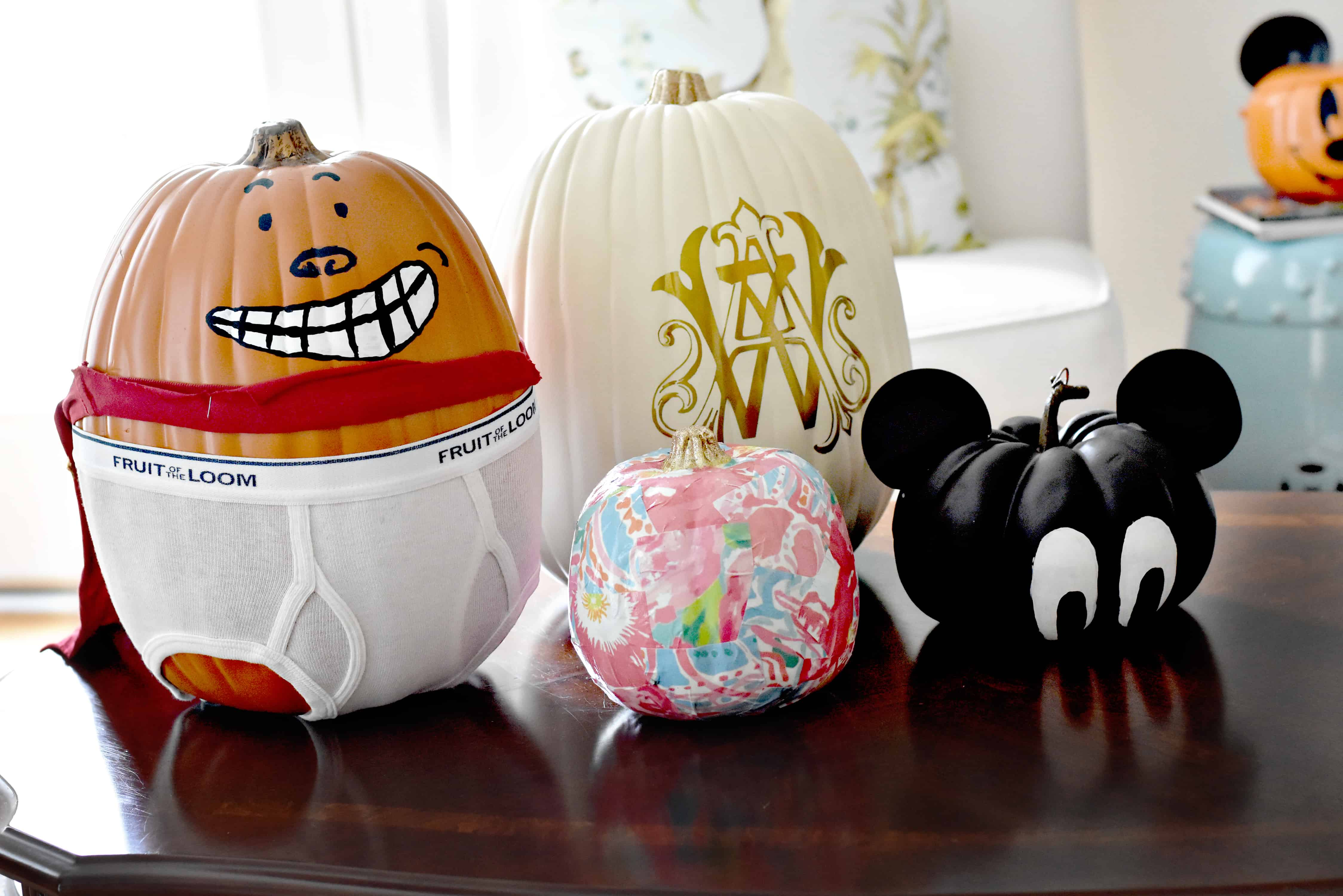 Haunted Halloween Home Tour Office Amp Powder Room Dixie
